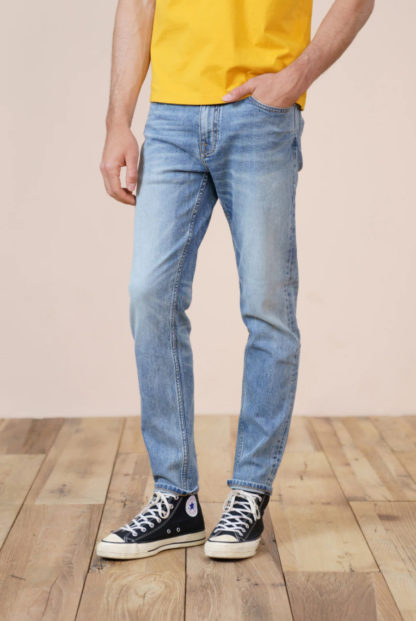 Classic Slim fit Jeans in light blue